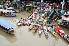 Traditioneller sich hin- und herbewegender Markt, Thailand. Stockbild