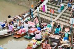 Traditioneller sich hin- und herbewegender Markt, Thailand. Stockbilder