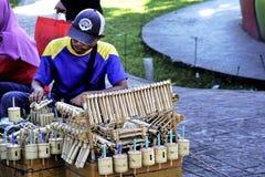 Traditioneller Spielzeugverkäufer stockfoto