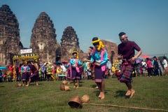 Traditioneller thailändischer Tanz in der Thailand-Affe-Partei Lizenzfreies Stockbild