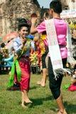 Traditioneller thailändischer Tanz in der Thailand-Affe-Partei Stockbilder