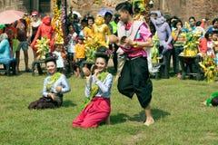 Traditioneller thailändischer Tanz in der Thailand-Affe-Partei Stockfotos