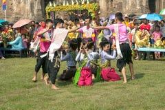 Traditioneller thailändischer Tanz in der Thailand-Affe-Partei Stockfoto
