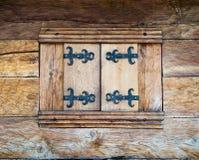 Traditionelles altes Fenster Lizenzfreie Stockbilder