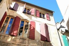 Traditionelles altes Haus von Avignon Stockbild
