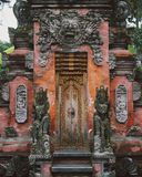Traditionelles Balinese-Tor von Ubud, Bali stockfotografie