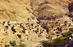 Traditionelles Berber-Bergdorf in Marokko Stockfoto