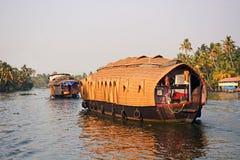 Traditionelles Boot ` Ketuvallam-` in den Stauwassern von Kerala, Indien Lizenzfreie Stockfotos