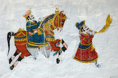 Traditionelles buntes mittelalterliches Wandbild in Udaipur, Indien stockfoto