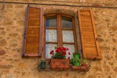 """Traditionelles façade des italienischen Hauses im kleinen magischen und alten Dorf von Pienza, ` Val D †""""Italien Orcia Toskana Stockfotos"""