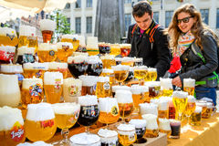 Traditionelles Glas Belgien-Bier Lizenzfreie Stockbilder