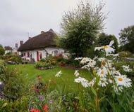 Traditionelles Häuschen in Adare Lizenzfreie Stockfotografie