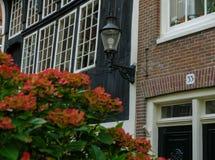 Traditionelles Haus in Amsterdam lizenzfreies stockbild