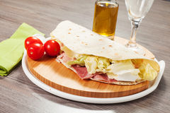 Traditionelles italienisches piadina Stockfoto