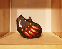 Traditionelles japanisches Schwein des wilden Ebers des Spielzeugs stockfotos