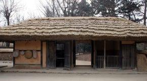 Traditionelles koreanisches Gebäude lizenzfreies stockbild