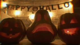 Traditionelles Kurvengesicht, das Kürbise am Heiligen der Partei, Süßes sonst gibt's Saures heiligt stock video