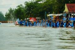 Traditionelles langes Ruderwettkampf-Festival Suratthani, Thailand Stockbilder