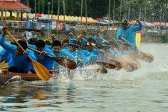 Traditionelles langes Ruderwettkampf-Festival Suratthani, Thailand Stockfoto