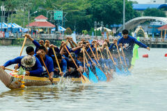 Traditionelles langes Ruderwettkampf-Festival Suratthani, Thailand Stockfotografie