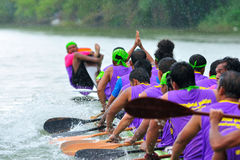 Traditionelles langes Ruderwettkampffestival Langsuan, Thailand lizenzfreie stockfotos