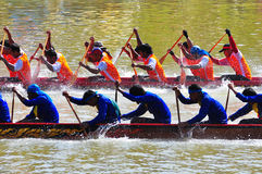Traditionelles langes Ruderwettkampffestival Langsuan, Thailand lizenzfreie stockfotografie
