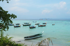 Traditionelles longtail Boot tropische Lipe-Insel, Thailand Stockfotos