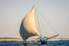 Traditionelles madagassisches Boot Lizenzfreie Stockfotos
