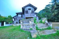 Traditionelles malaysisches Holzhaus stockbild