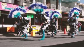 Traditionelles mexikanisches matachin religiöse Tänzer stock video footage