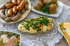 Traditionelles Ost - europ?ische Mahlzeiten anl?sslich Ostern stockfoto