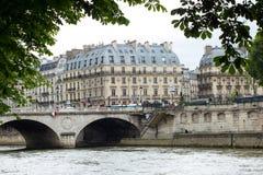 Traditionelles Pariser Stadtbild Stockbild