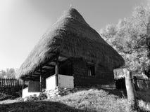Traditionelles rumänisches Haus Stockbilder