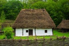 Traditionelles rumänisches Haus Stockfotografie