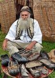 Traditionelles rumänisches Kostüm Stockbilder