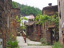 Traditionelles Schieferdorf in den Bergen von Mittel-Portugal stockfotografie
