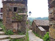 Traditionelles Schieferdorf in den Bergen von Mittel-Portugal stockfoto