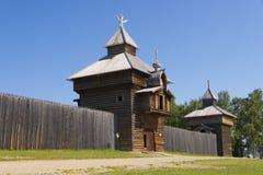 Traditionelles sibirisches ostrog (Festung) Lizenzfreie Stockfotos