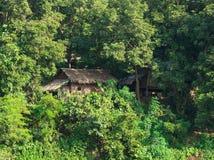 Traditionelles Strohhaus auf Myanmar Lizenzfreie Stockbilder