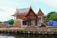 Traditionelles thailändisches Haus des Baus lizenzfreies stockbild