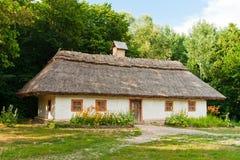 Traditionelles ukrainisches Haus Stockfotos