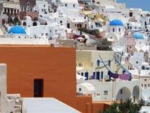 Traditionelles Weiß gewaschenes Santorini Griechenland stockbilder