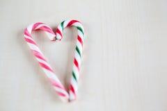 traditionelles Weihnachtssüßigkeitsherz Lizenzfreies Stockbild
