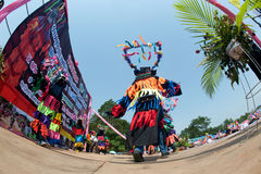 Traditionellt av Phi Khon Nam Festival i Thailand Arkivbild