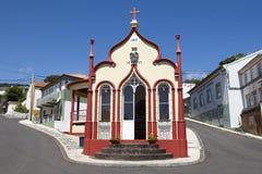 Traditionellt Azores katolskt kapell i Topo jorge sao portugal Arkivbilder