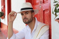 Traditionellt colombianskt manligt salutera slut upp arkivfoton