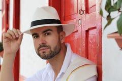Traditionellt colombianskt manligt salutera slut upp royaltyfria foton