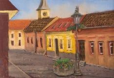 Traditionellt europeiskt stads- landskap Den gamla europeiska gatan med forntida hus, belade med tegel tak, kyrktar och gataljus royaltyfri illustrationer