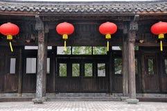 traditionellt för kinesisk lykta för arkitektur rött Arkivfoton