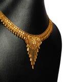 Traditionellt guldhalsband Royaltyfri Bild